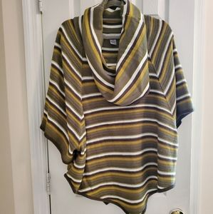 New Directions cowl neck,short sleeve poncho